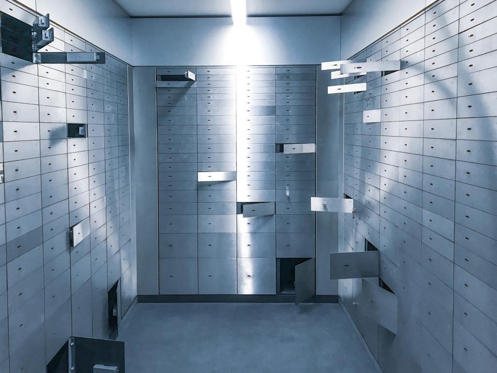 mailroom-security-corporate-lockers